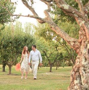 couple-in-vineyard