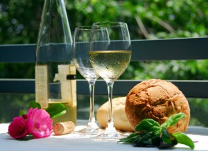 Summer fun in Virginia isn't complete without a delectable wine dinner - enjoy with friends and family!