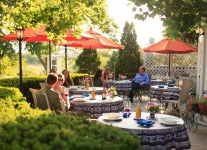 eat outside at top Virginia restaurant