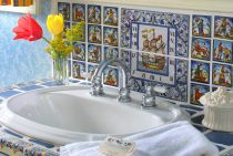 Renoir Room bathroom at our Shenandoah Valley B&B