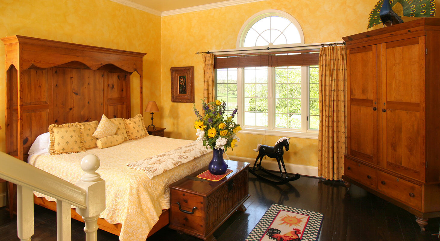 Van Gogh Suite bed at our Northern Virginia B&B