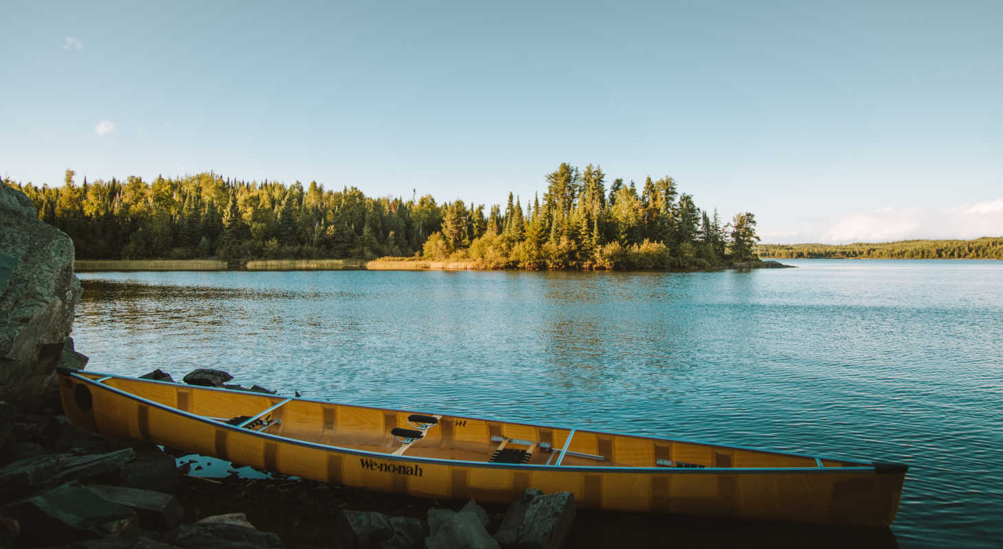 Virginia Attraction: Kayak on waterside at dusk